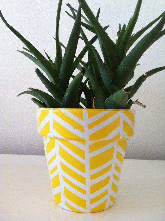 01-DIY-Pretty-Plant-Pots-You-Can-Create