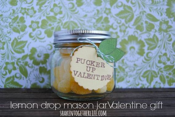 01-DIY-Valentine-Gifts-in-a-Jar