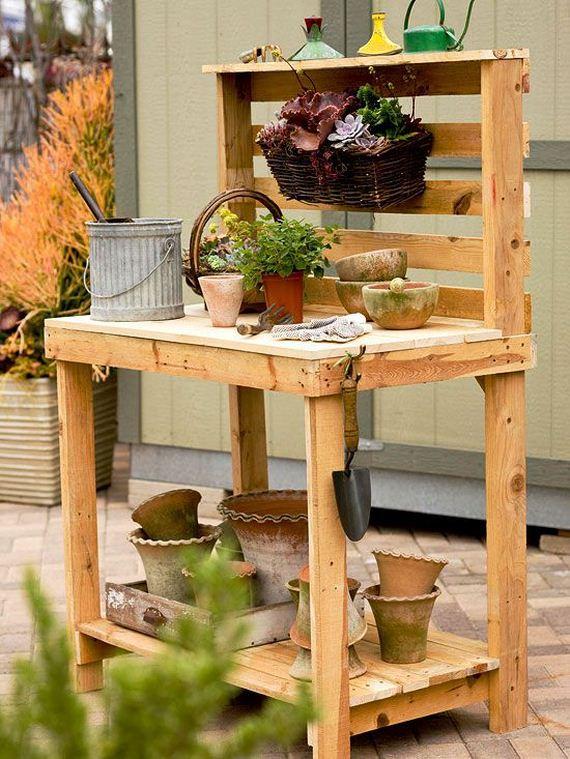 03-DIY-Pallet-Tables