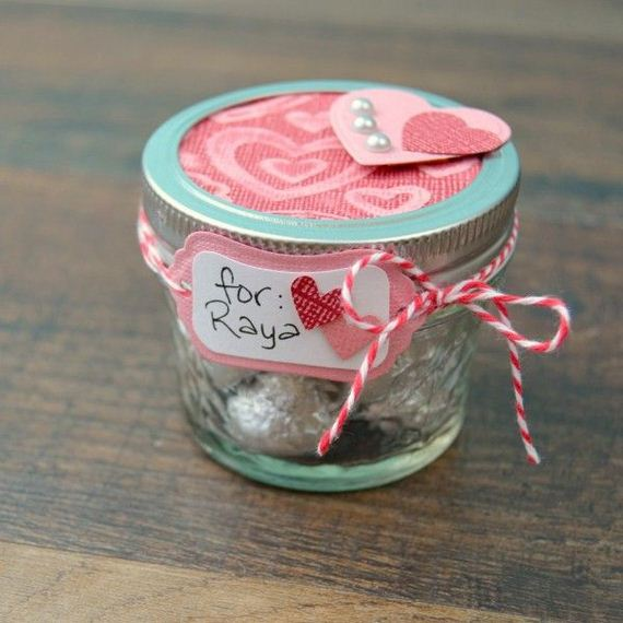 03-DIY-Valentine-Gifts-in-a-Jar
