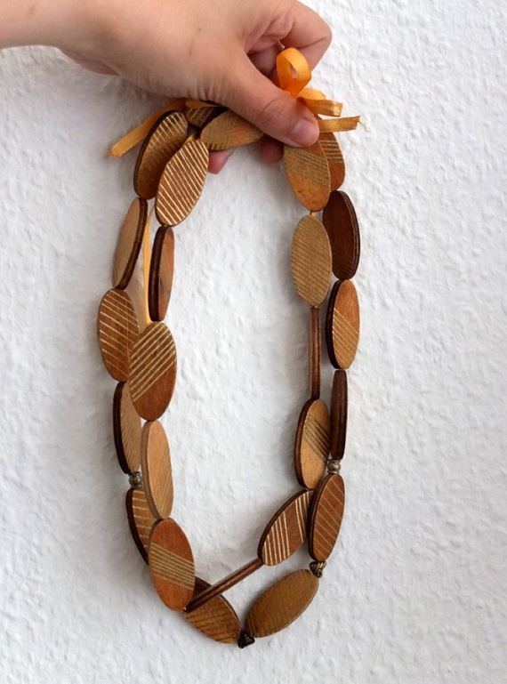 04-Wooden-Jewelry