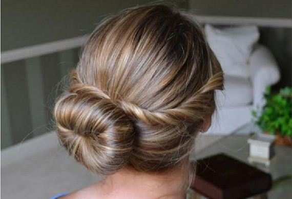 07-Quick-And-Easy-Hair-Buns