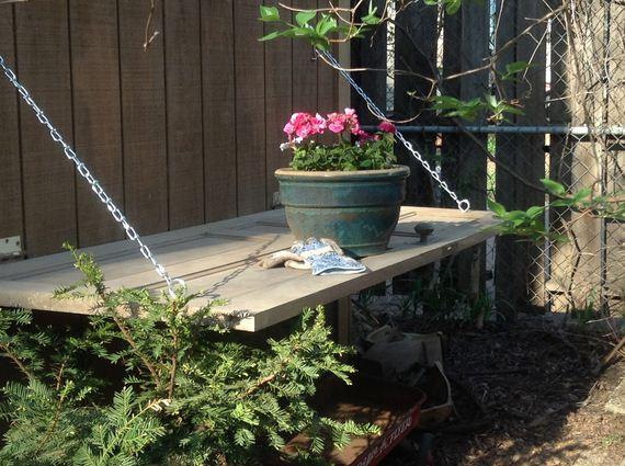 07-bench-gardening