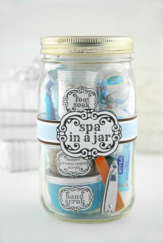 08-DIY-Valentine-Gifts-in-a-Jar