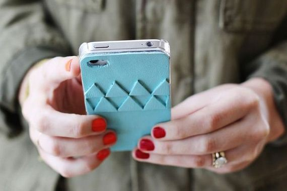 09-DIY-Phone-Cases-You-Can-Make