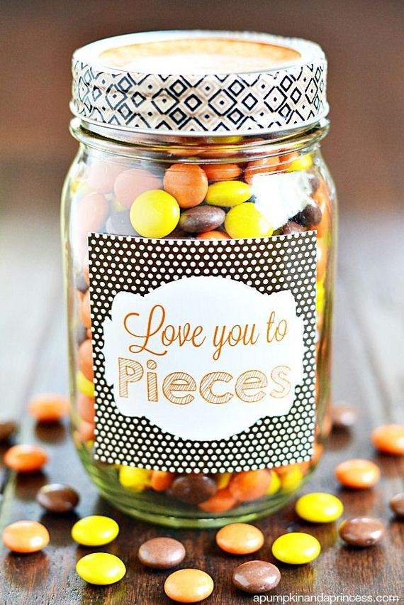 09-DIY-Valentine-Gifts-in-a-Jar