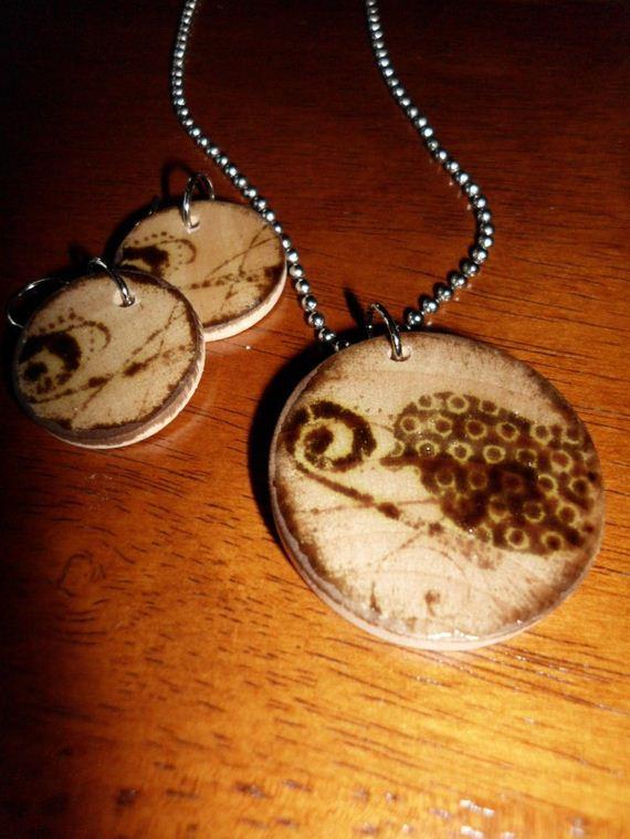09-Wooden-Jewelry