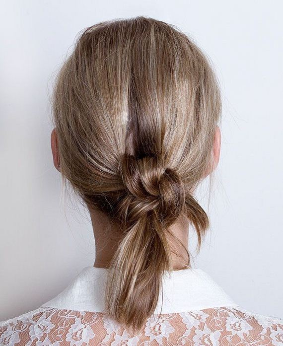 12-Quick-And-Easy-Hair-Buns