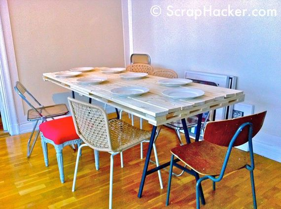 14-DIY-Pallet-Tables