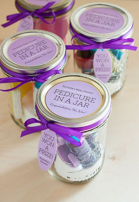 17-DIY-Valentine-Gifts-in-a-Jar