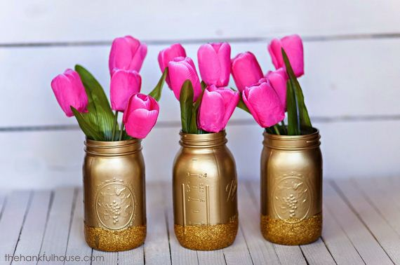 21-DIY-Valentine-Gifts-in-a-Jar