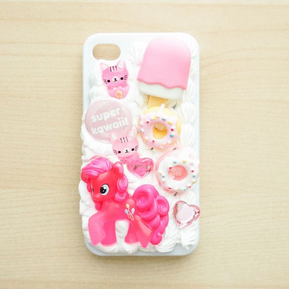 22-DIY-Phone-Cases-You-Can-Make