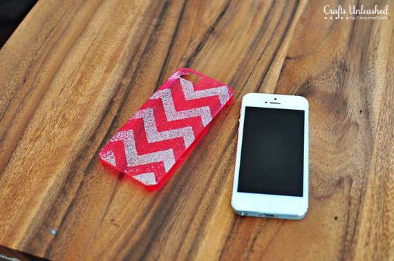 27-DIY-Phone-Cases-You-Can-Make