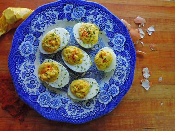 01-Ways-to-eat-hard-boiled-eggs