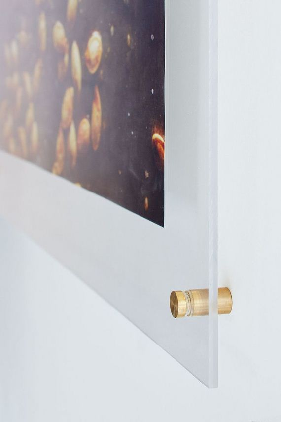 09-DIY-Poster-Frame