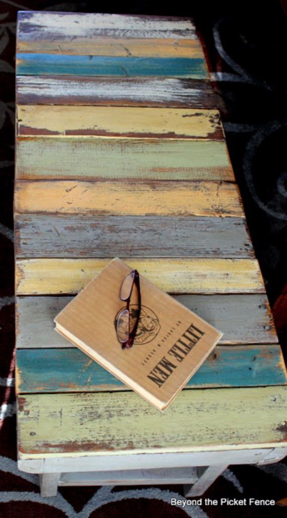 10-Pallet-Furniture-Ideas