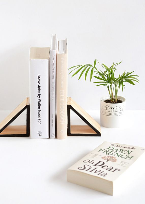 14-diy-floating-wood-night-stand
