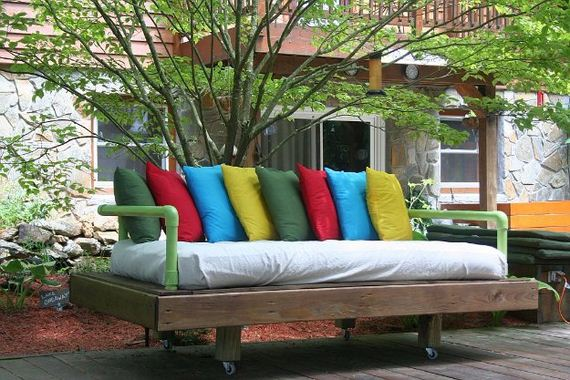 19-Pallet-Furniture-Ideas