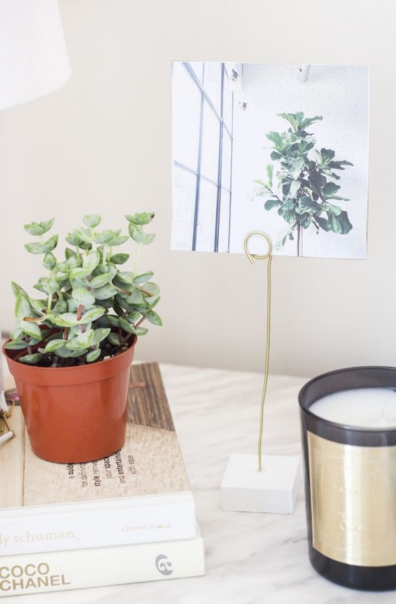 44-diy-floating-wood-night-stand