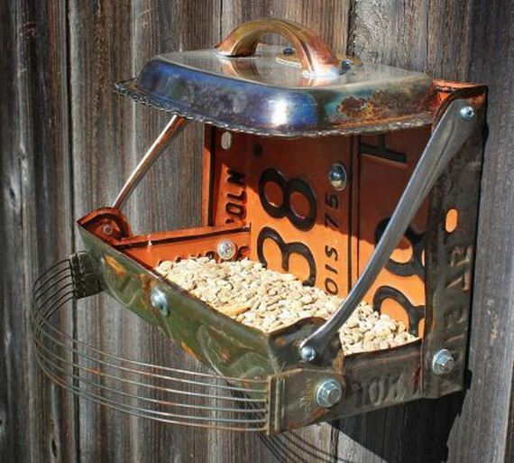 15-Homemade-Bird-Feeders