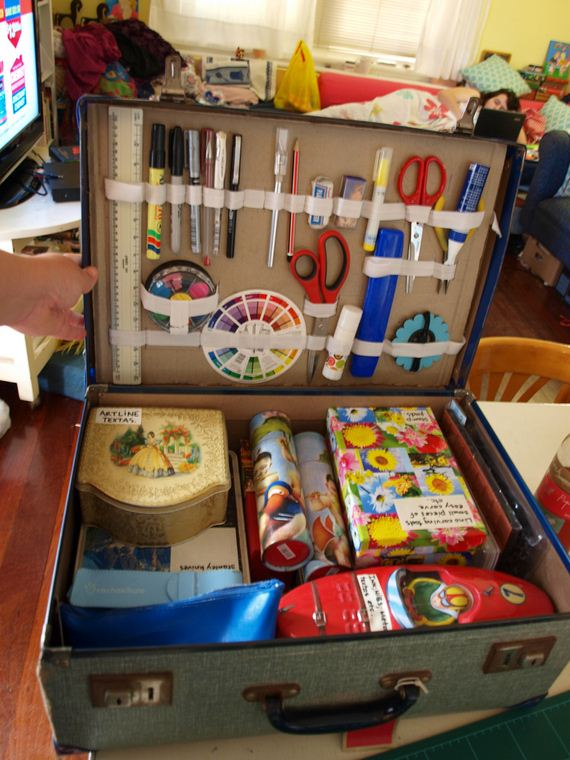 17-Incredible-Ideas-To-Upcycle-An-Old-Suitcase