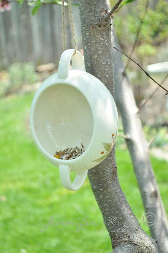 25-Homemade-Bird-Feeders