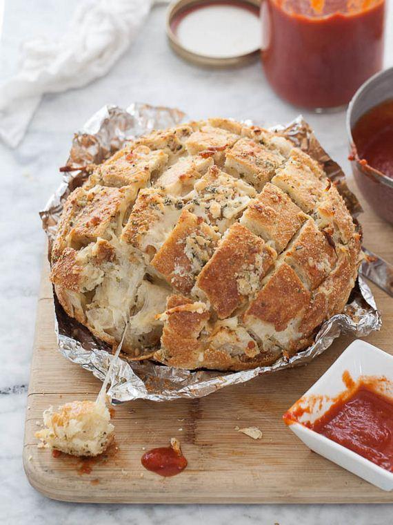 02-buffalo-chicken-pull-apart-bread