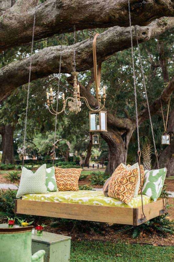 Awesome outdoor hanging beds diycraftsguru for Diy hanging bed plans