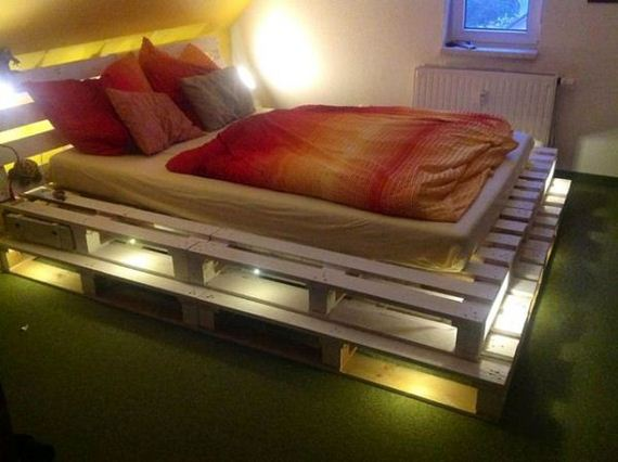 10-Best-DIY-Pallet-Bed-Projects