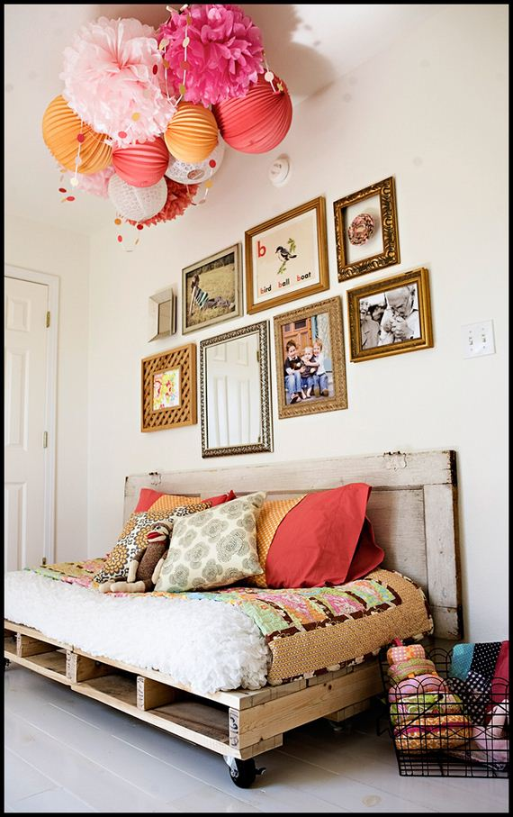 12-Best-DIY-Pallet-Bed-Projects