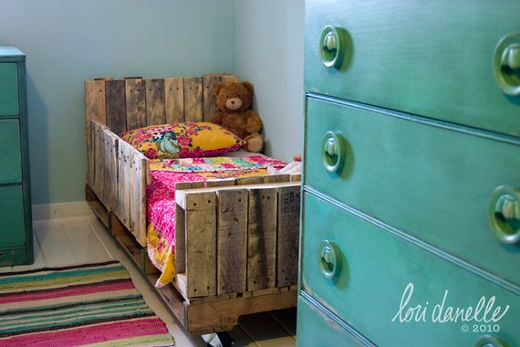 13-Best-DIY-Pallet-Bed-Projects
