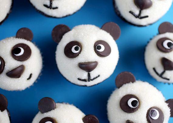 01-Panda-Cupcakes