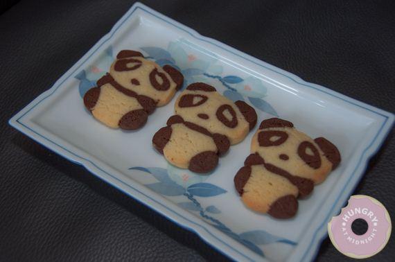 02-Panda-Cupcakes