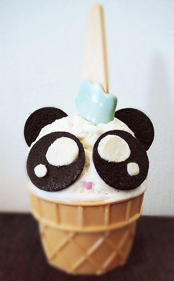 03-Panda-Cupcakes
