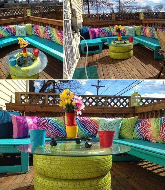 03-tiny-balcony-furniture