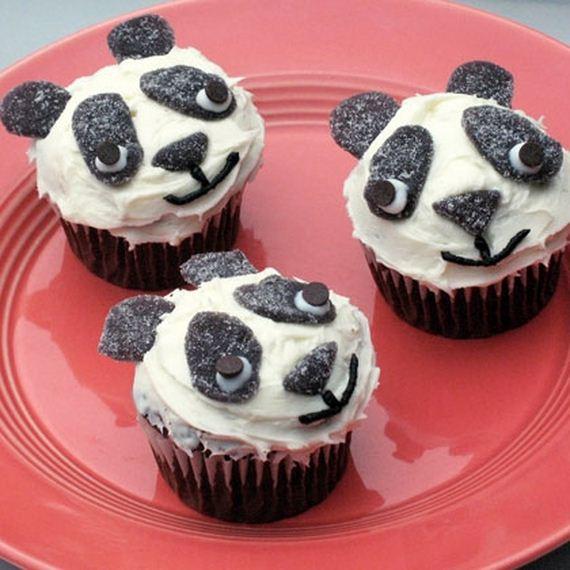 04-Panda-Cupcakes