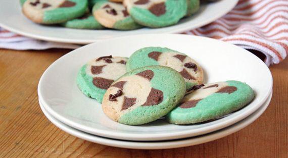05-Panda-Cupcakes