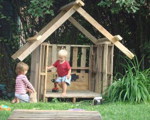 06-backyard-playroom-for-kids-feature