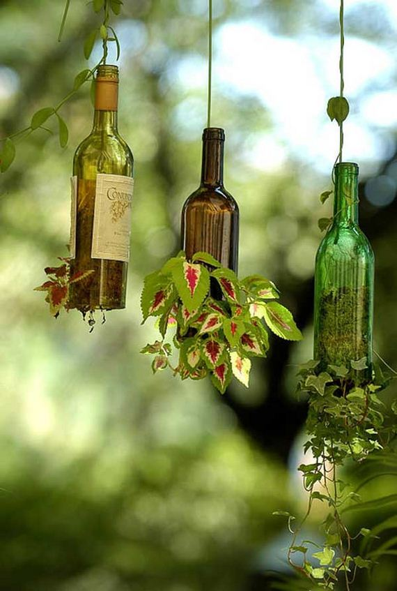08-Bottle-Outdoor-Decorating-Ideas