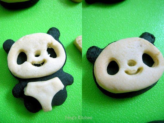 08-Panda-Cupcakes
