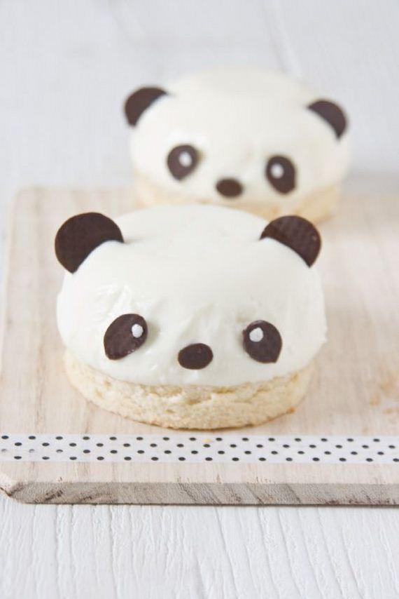 09-Panda-Cupcakes