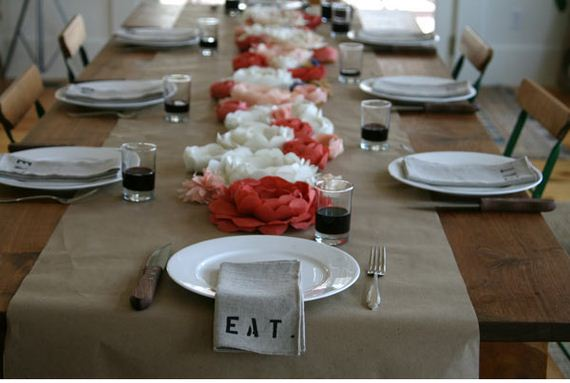 10-DIY-Table-Runners-Every-Occasion