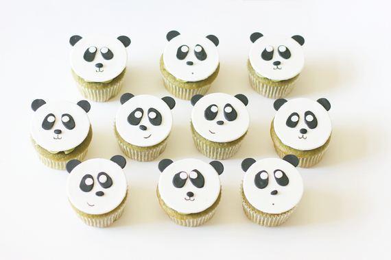 10-Panda-Cupcakes