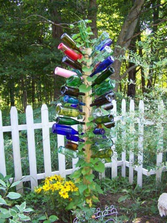 11-Bottle-Outdoor-Decorating-Ideas