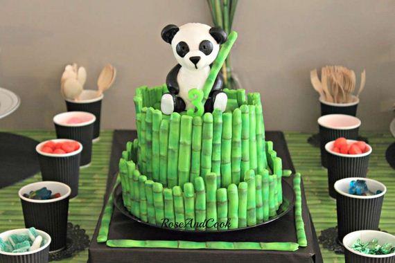 11-Panda-Cupcakes