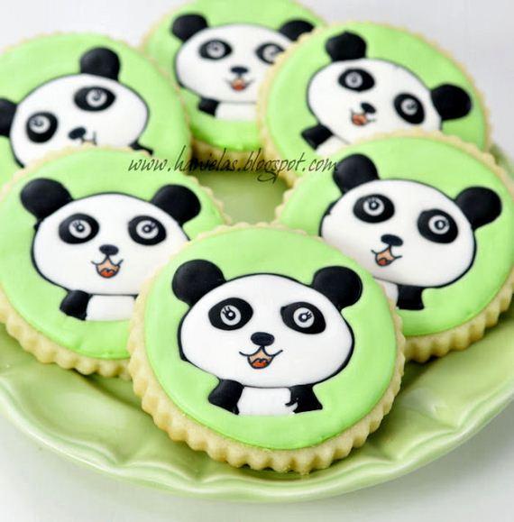 14-Panda-Cupcakes