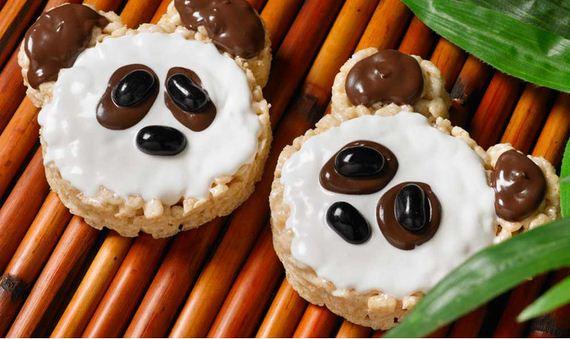 15-Panda-Cupcakes