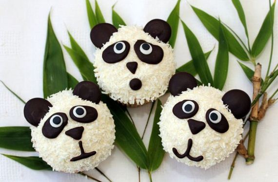 16-Panda-Cupcakes