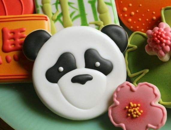 17-Panda-Cupcakes