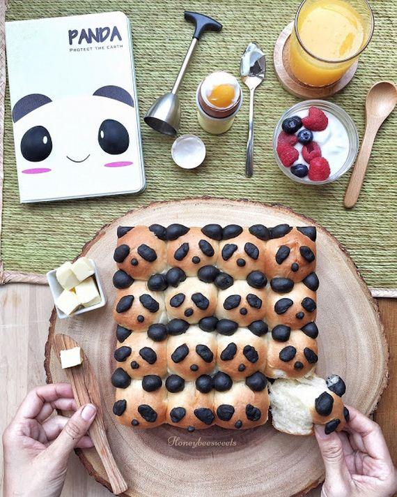 22-Panda-Cupcakes